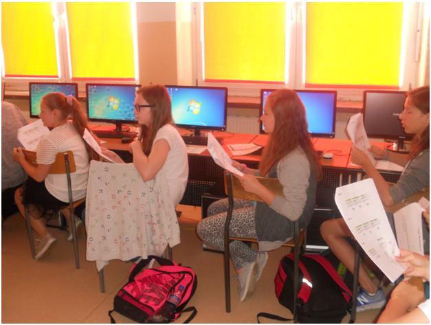 Klasa VB i VD na warsztatach z programowania i robotyki w języku angielskim (1)